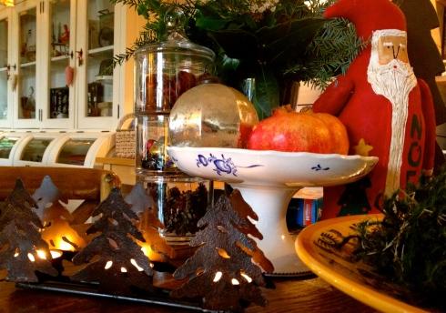 Wie de zilte Bretoense lucht wil komen opsnuiven tijdens de Kerstvakantie...dat kan ! Er zijn nog kamers vrij (uitgenomen de eindejaarsdagen). We nemen je reservatie graag aan via info@lamaisonblancheauxvoletsbleus.com