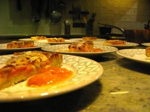 ...tot dessert na het diner. Alles is huisgemaakt in de  keuken van onze maison d'hôtes, het hart van ons huis.