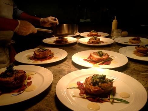 14 hoofdgerechten : één  ervan is dit nieuw gerecht van dit seizoen, Bretoens buikspek met zonnige groentjes, heerlijk !