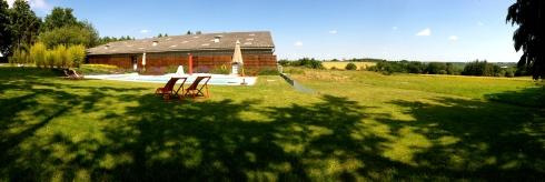 """Zoals één van onze gasten zei : """"een panoramikske"""" van ons verwarmd buitenzwembad !"""
