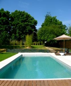 Onze nieuwe gasten zijn helemaal zot van ons zwembad. Geniet ervan !!